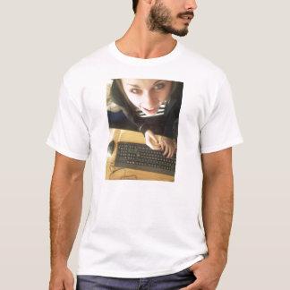 maketshirtoutof T-Shirt