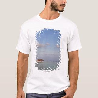 Maldives, Meemu Atoll, Medhufushi Island, luxury T-Shirt