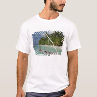 Maldives, North Male Atoll, Island of Kuda T-Shirt