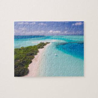Maldives puzzle