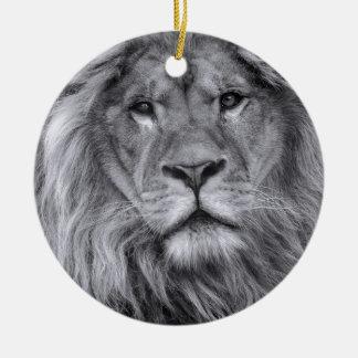 Male lion portrait round ceramic decoration