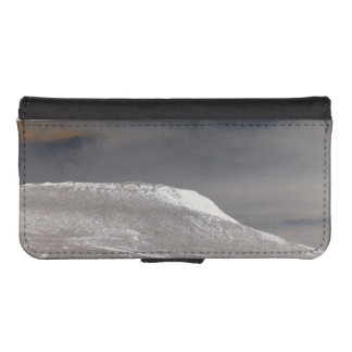 Mam Tor in Winter phone wallet case