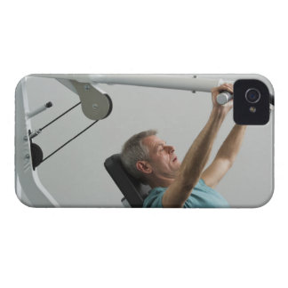 Man lifting weight at gym Case-Mate iPhone 4 cases