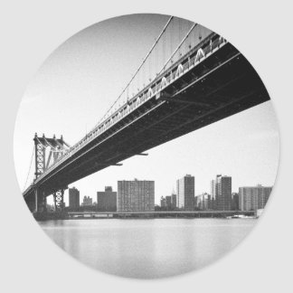 Manhattan Bridge and skyline, New York, US. Classic Round Sticker