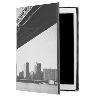 "Manhattan Bridge and skyline, New York, US. iPad Pro 12.9"" Case"