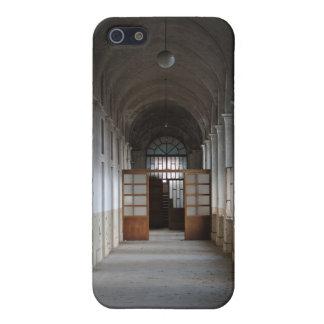 Manicomio Corridor iPhone 5 Cover