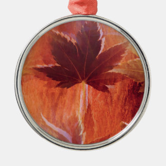 Maple Dream Silver-Colored Round Decoration