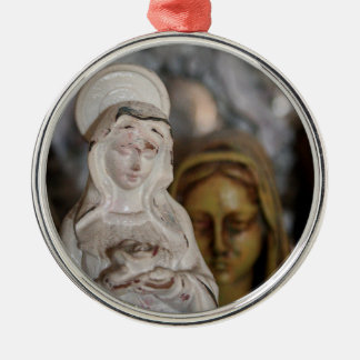 MARIAN TRADITIONS Silver-Colored ROUND DECORATION