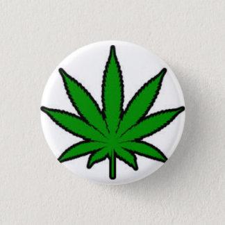 marijuana leaf 3 cm round badge