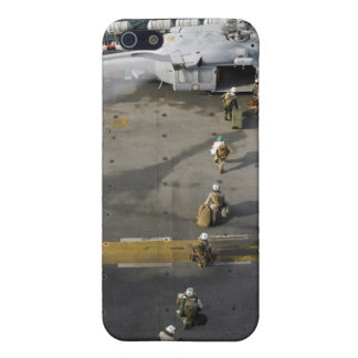 Marines prepare to board an MH-60S iPhone 5 Case