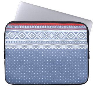 Mariusgenser Christmas Sweater Pattern Laptop Sleeve