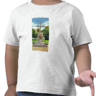 Marquis de Montcalm Monument Scene T Shirt