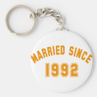 married since 1992 basic round button key ring