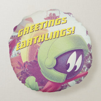 MARVIN THE MARTIAN™ On Vacation Round Cushion