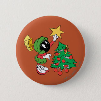 MARVIN THE MARTIAN™ putting star on tree 6 Cm Round Badge