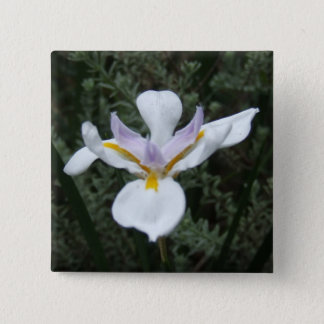 MAUVE IRIS FLOWER BADGE