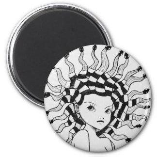 Medusa (black and white) 6 cm round magnet