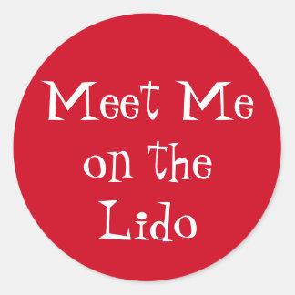 Meet on Lido Round Sticker