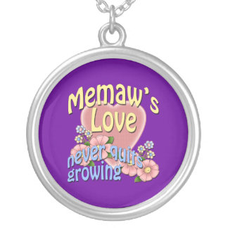 Memaw's Love Never Quits Growing Round Pendant Necklace