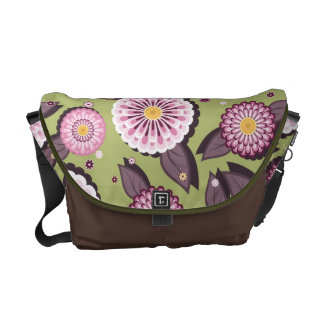 Messenger bag with daisies patterns