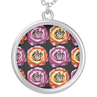 Metallic Roses Design Necklace