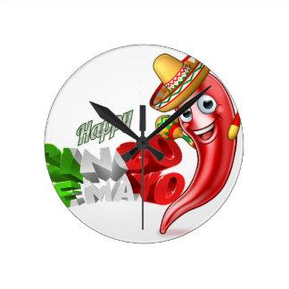 Mexican Cinco De Mayo Chilli Pepper Design Round Clock