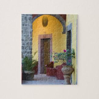 Mexico, San Miguel de Allende, Archway entrance Jigsaw Puzzle