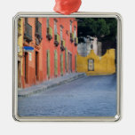 Mexico, San Miguel de Allende, Homes along Ornaments