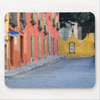 Mexico, San Miguel de Allende, Homes along Mouse Mat