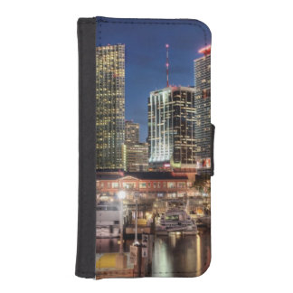 Miami skyline city in Florida iPhone SE/5/5s Wallet Case