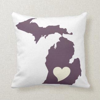 Michigan Love Cushion
