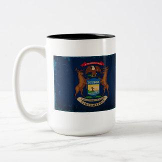 Michigan State Flag VINTAGE.png Two-Tone Mug