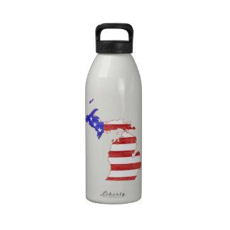 Michigan USA flag silhouette state map Water Bottles