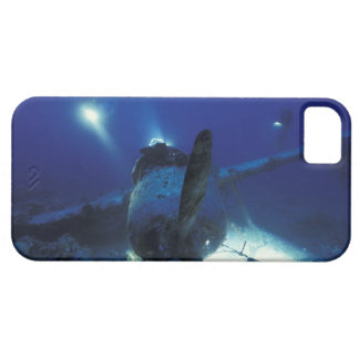 Micronesia, Palau, World Heritage Site. Divers iPhone 5 Cases
