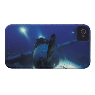 Micronesia, Palau, World Heritage Site. Divers iPhone 4 Cover