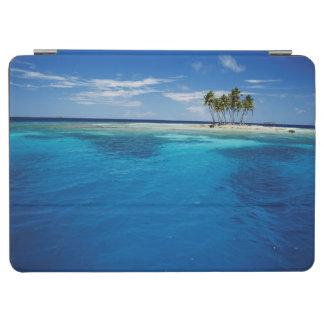 Micronesia, Tonowas, View of idyllic tropical iPad Air Cover
