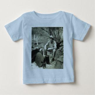 Migrant at campfire - 1939. t shirt