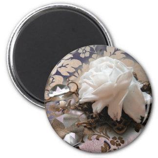 Mindy's Rose 6 Cm Round Magnet