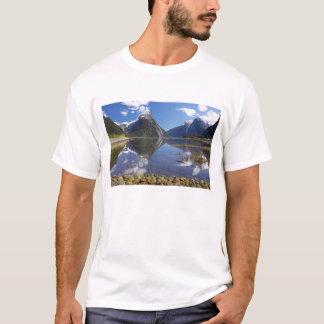 Mitre Peak, Milford Sound, Fiordland National T-Shirt