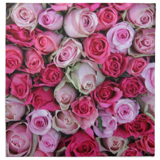 Mixed pink roses by Therosegarden Napkin