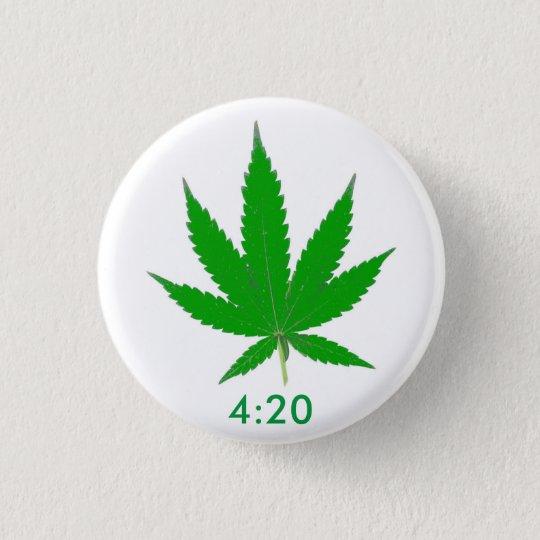 MKFMJ Marijuana Leaf' 4:20 3 Cm Round Badge