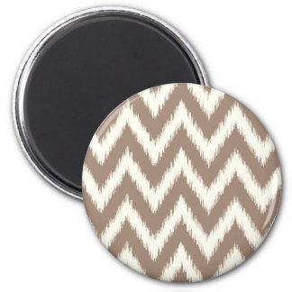 Mocha Ikat Chevron 6 Cm Round Magnet