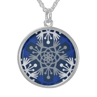 Mod Winter Snow Necklace