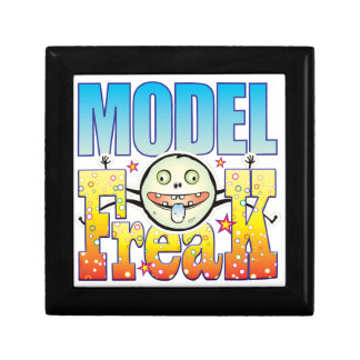 Model Freaky Freak Small Square Gift Box