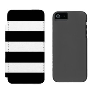 Modern Black White Stripes Pattern Incipio Watson™ iPhone 5 Wallet Case