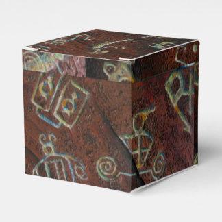 MODERN PETROGLYPHS by Slipperywindow Favour Box