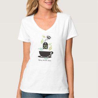 Modern tea bag tea leaves teacup crown tshirt