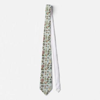 Modern Vintage Seashells Tie