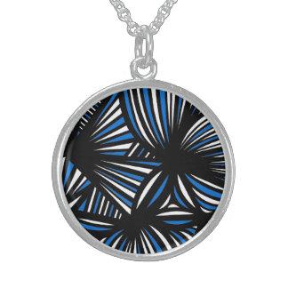 Modest Keen Elegant Determined Round Pendant Necklace