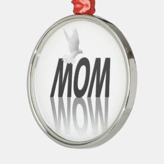 Mom = Wow Ornaments